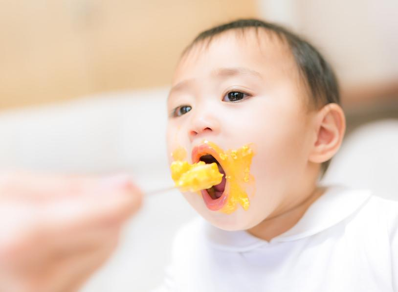 eating_child